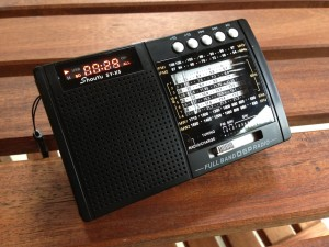 The Shouyu SY-X5 mechanically-tuned, DSP portable radio. (Click to enlarge)