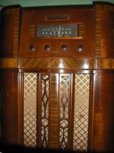 Chris' 1938 Motorola (Photo: Chris Dandrea)