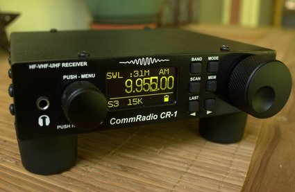 CommRadio_CR-1_Front