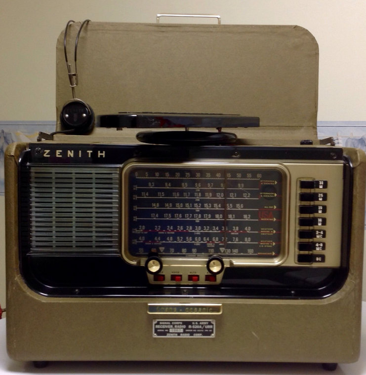 Zenith R520a Urr Transoceanic Radio On Ebay The Swling Post