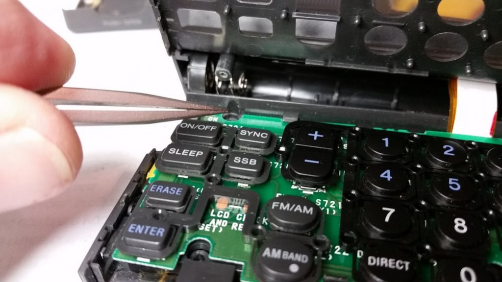 A Repair Story Vlado S Fix For The Classic Sony Icf Sw100