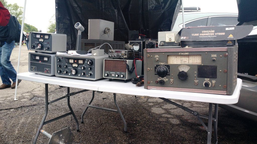 Hamvention-Inside-Exhibits - 39