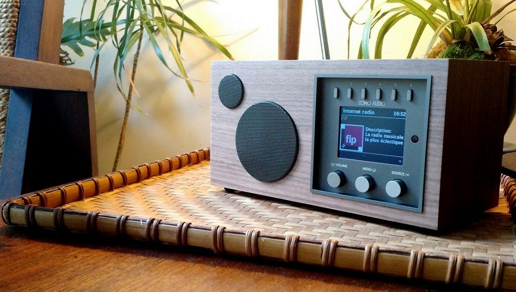 como-audio-solo-table