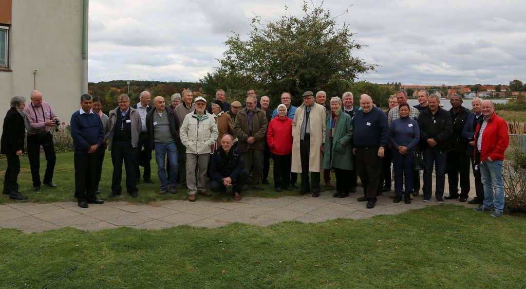 The group shot outside the longwave transmitter at Kalundborg, about 1 and a half train ride from Copenhagen.
