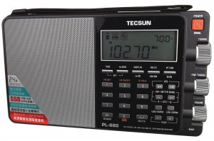 The Tecsun PL-880 is the latest offering by the prominent radio manufacturer, Tecsun.